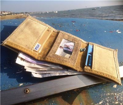 Wallet made from recycled truck Brazilian Truck Tarpulins